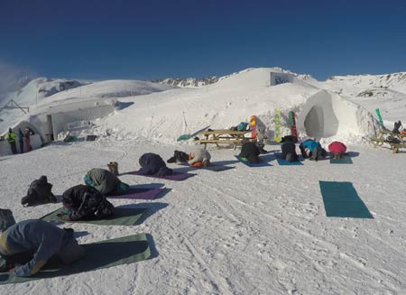 Mountain yoga classes in the French Alps